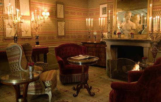 Royal Champagne Salon Area