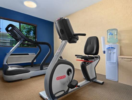 Rodeway Inn: Fitness Room