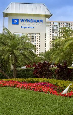 Wyndham Royal Vista : Exterior