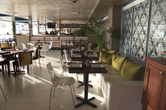 San Juan Beach Hotel: Perurrican Lounge