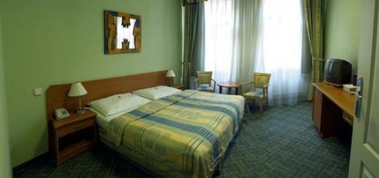 EA Hotel Tosca: Room