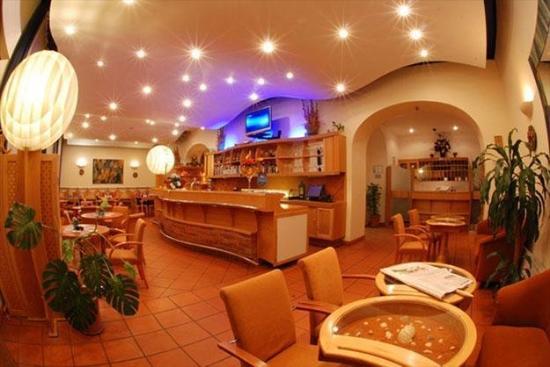 EA Hotel Tosca: Restaurant