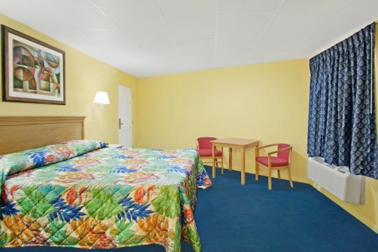 La Bella Inn: One King Bed