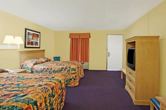 La Bella Inn: Two Double Beds