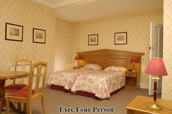 Astons Apartments: Guest Room