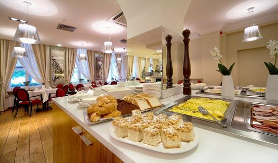 Opera Hotel & Spa: Breakfast Buffet