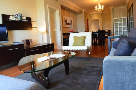 Cape Royale Luxury Hotel : Superior Two-Bedroom Suite with living area