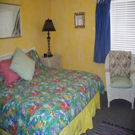 Capri by the Gulf: Guest Room