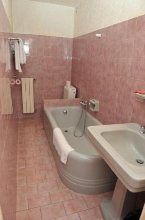 Hôtel Richelieu : Bathroom