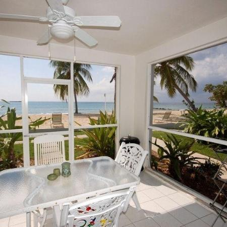 The Grandview Condos Cayman Islands: LIEXT