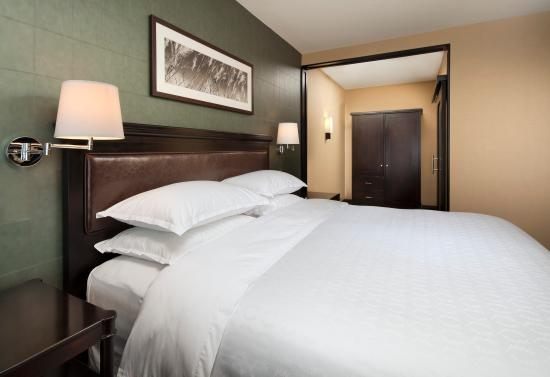 Sheraton chicago northbrook hotel updated 2017 prices Hotels with 3 bedroom suites in chicago