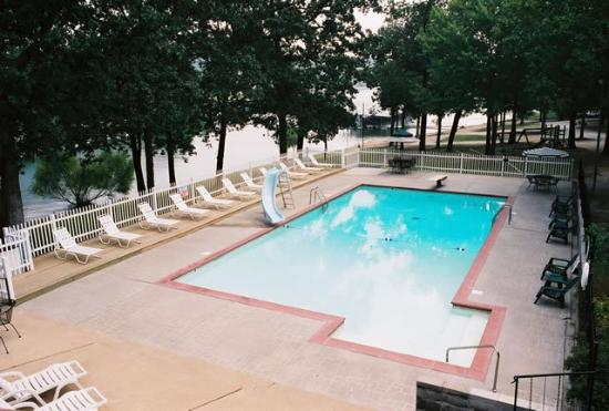 Schooner Creek Resort : Pool view