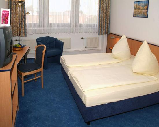 BEST WESTERN Comfort Business Hotel: Guest room