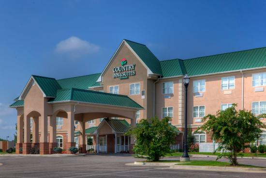 Photo of Country Inn & Suites Emporia