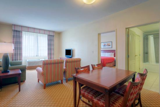 Country Inn & Suites By Carlson, Emporia: CountryInn&Suites Emporia Suite
