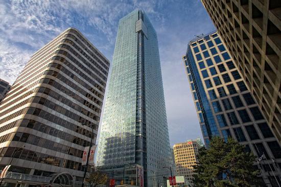 Shangri-La Hotel, Vancouver: Exterior View