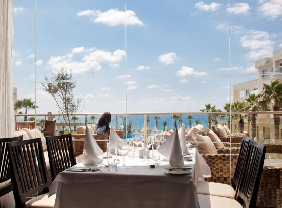 Capital Coast Resort & Spa: Restaurant