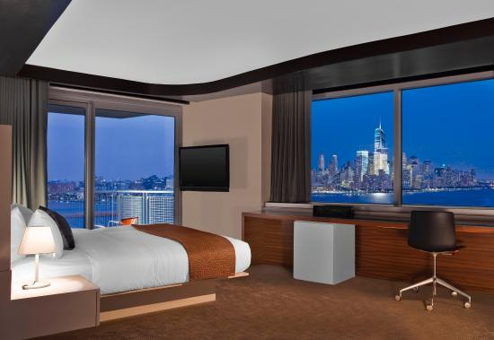 W Hoboken: E WOW Suite