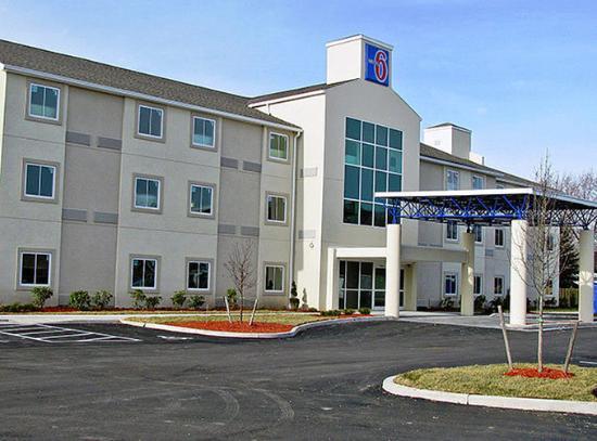 Photo of Motel 6 Niagara Falls