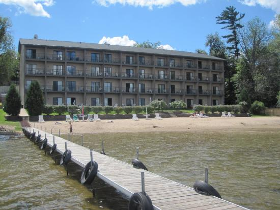 Beachfront Hotel Houghton Lake Michigan: Private Beach and Boat Dock