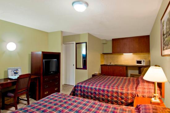 Canadas Best Value Inn-Burlington/Hamilton : 2 Queen Beds
