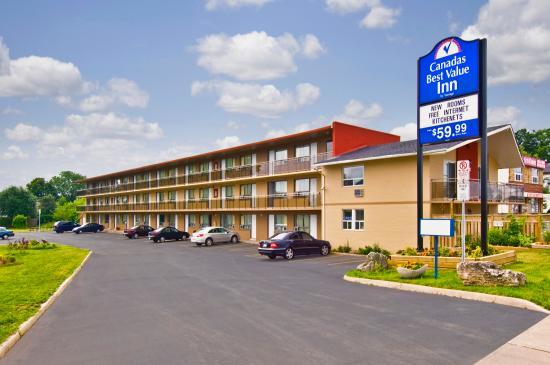 Canadas Best Value Inn-Burlington/Hamilton: Exterior