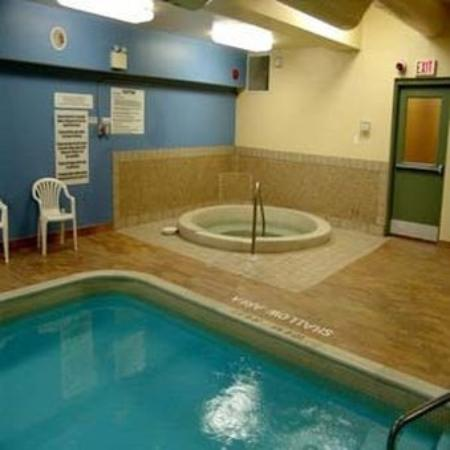 Bayview Wildwood Resort: Pool