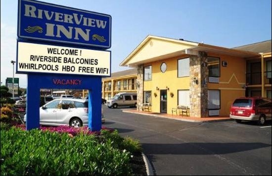 River View Inn: Exterior
