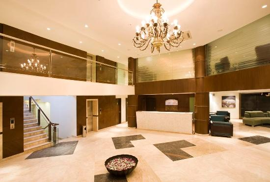 S Hotel : Lobby View