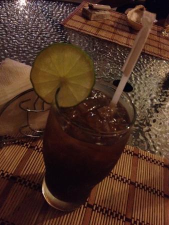 El Quijote Bar and Restaurant: World class Long Island Iced Tea at El Quijote!