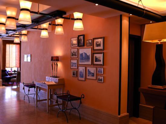 Hotel Die Sonne Frankenberg: Eingang Lobby Cmyk