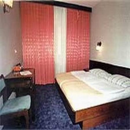 Nacional Hotel: Guest Room