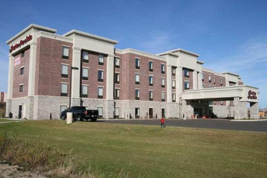Hampton Inn & Suites Grafton: Exterior