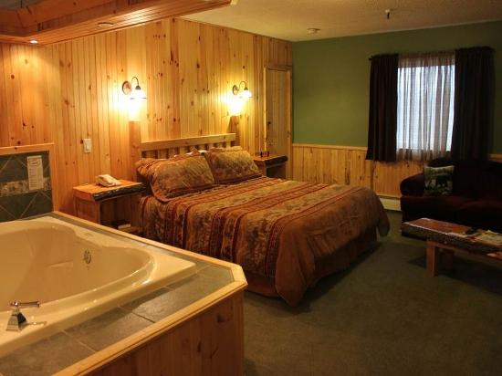 Vacationland Inn: Guest Room