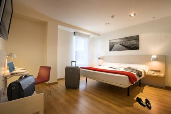 Hotel Bed4U Tudela : Guest Room