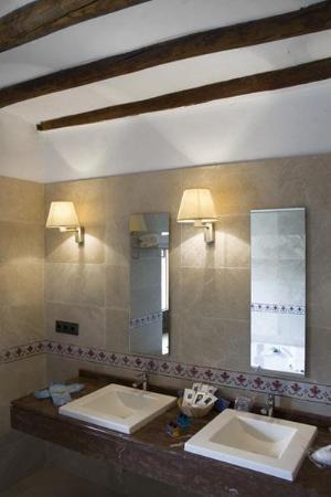 Hotel Convento de la Magdalena: Bathroom