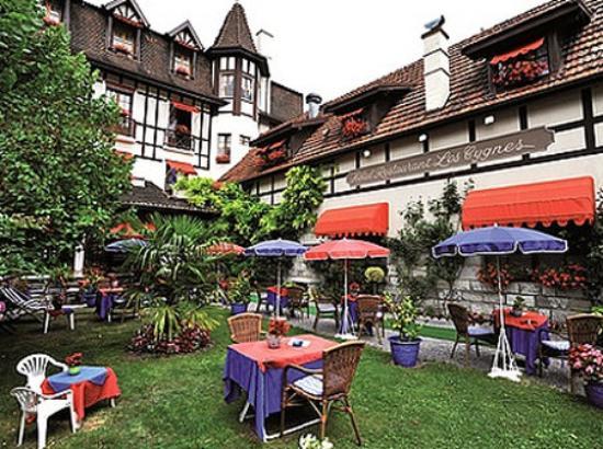 Photo of Hotel Les Cygnes Évian-les-Bains