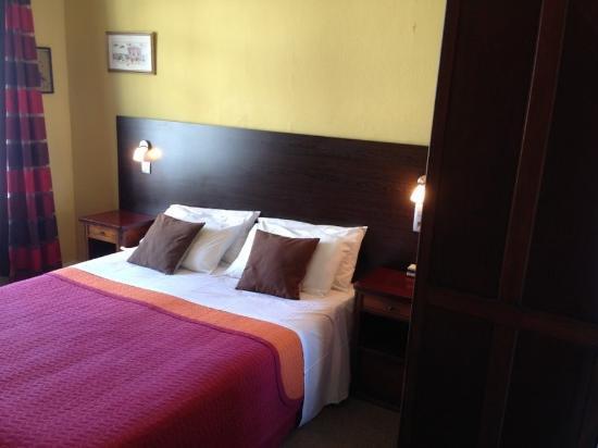 Hotel Savoy : guest room