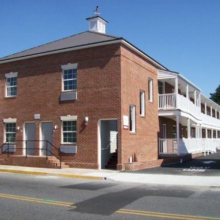 Crimson Inn: Exterior