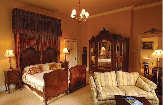 Storrs Lodges: Feature room