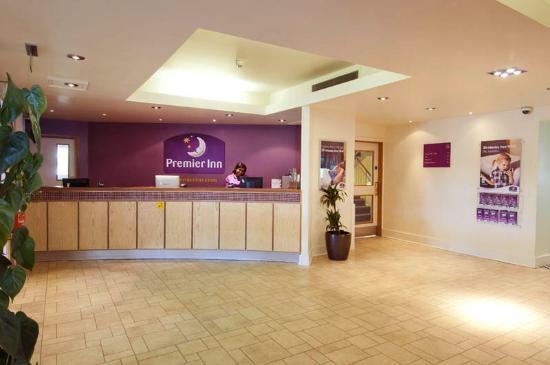 Premier Inn London Hampstead Hotel: Reception