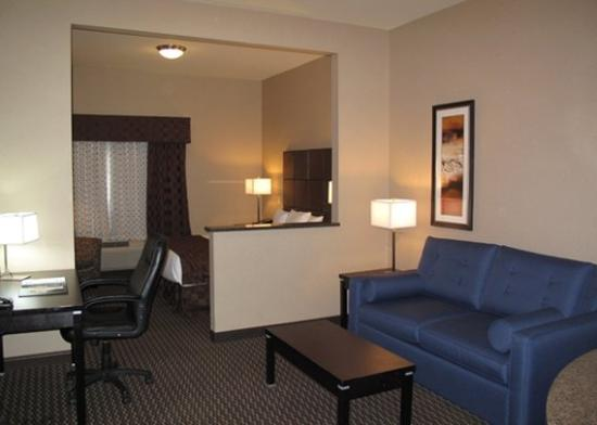 Comfort Suites Kelowna: SNHQRoom