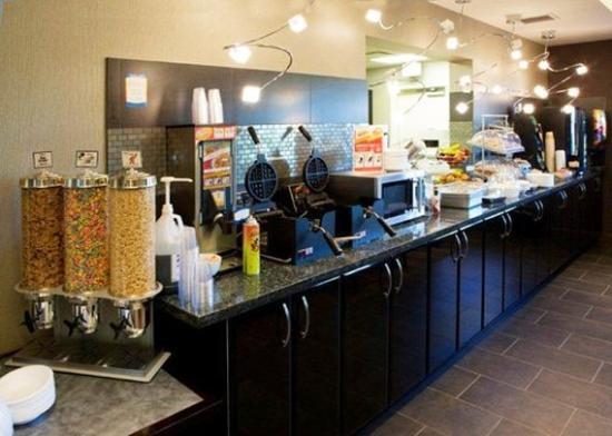Comfort Suites Kelowna: Restaurant