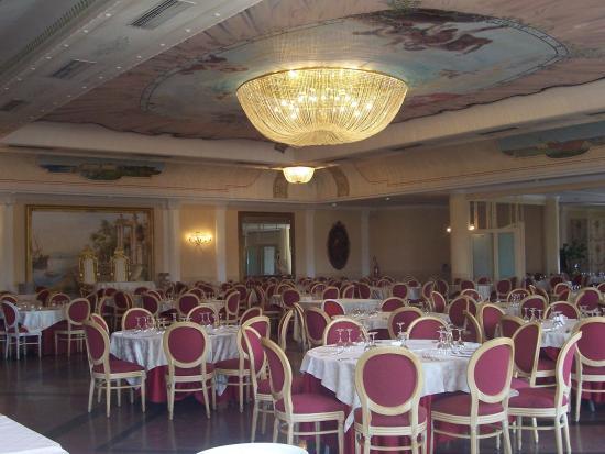 Delfino Beach Hotel: Restaurant