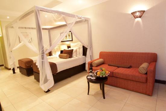 Cresta Mowana Safari Resort and Spa: Double Room