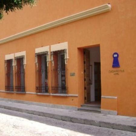 Casareyna Hotel: Exterior