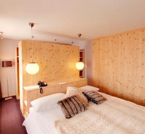 Hotel Laudinella Zimmer Suite Schlafzimme
