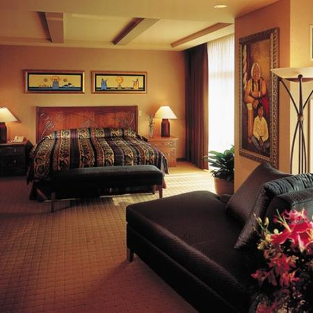 Soaring Eagle Casino & Resort : First Class Accommodations with King Bed