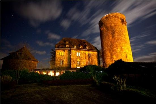 Hotel Burg Trendelburg : Exterior