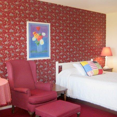 Bay Inn Petoskey: Guest Room